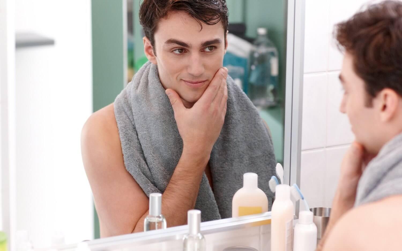 Bir ergenin tıraşla imtihanı